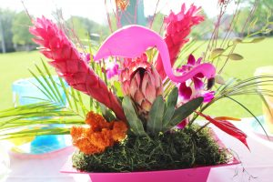 tropical centerpiece ideas for a flamingo party