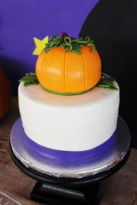 pumpkin cake at a great pumpkin charlie brown party