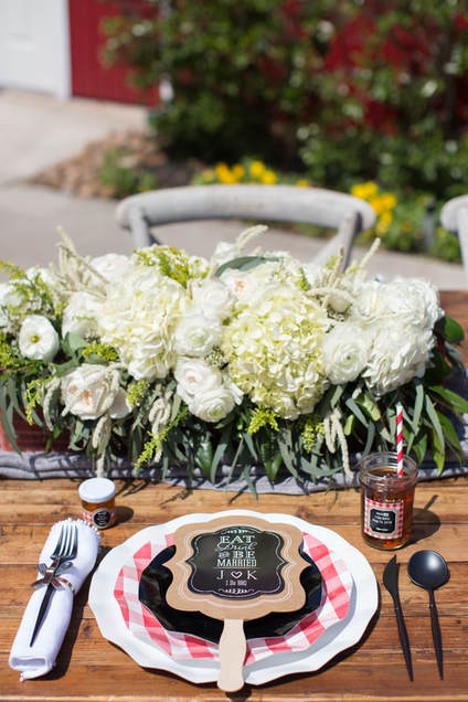 i do bbq bridal shower tablescape