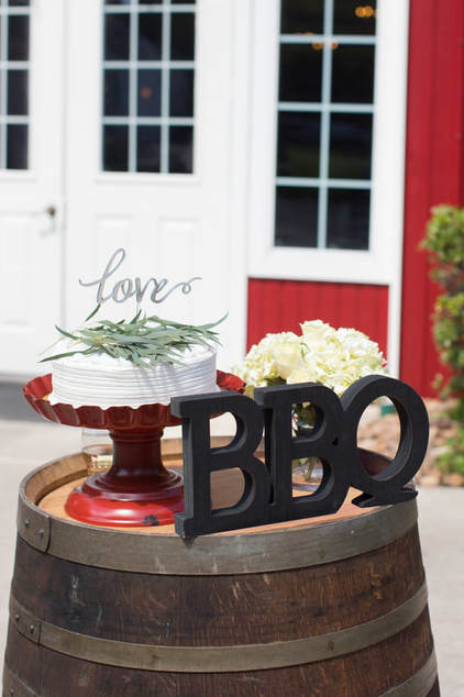 i do bbq bridal shower cake table