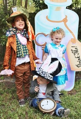Family Halloween Costume Ideas- Alice in Wonderland