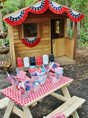 "4th of July Activity Table & FREE ""Little Firecrackers"" Printable"