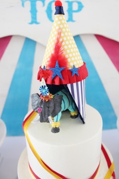 circus cake topper for a carnival party
