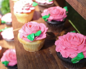Rose cupcakes for a kentucky derby birthday party