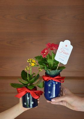 DIY Centerpiece from Happy Family Blog & FREE Printable Tag