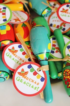 muchas gracias favor tags and maraca party favors