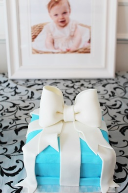 tiffany smash cake