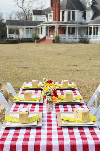 Western Tablescape and Farmhouse