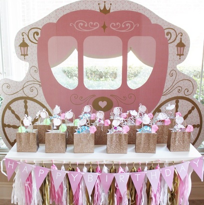 princess carriage standee at a princess birthday party