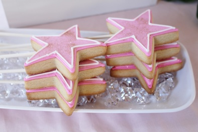 star cookie wands at a princess birthday party