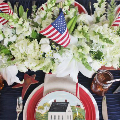 How to Decorate a Patriotic Farmhouse Tablescape