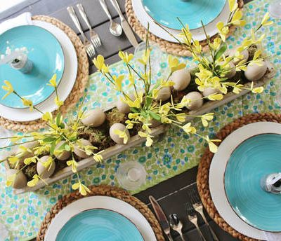 Spring Farmhouse Tablescape & FREE Placecard Printable
