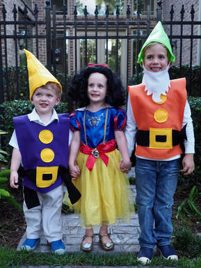 family halloween costumes snow white costumes