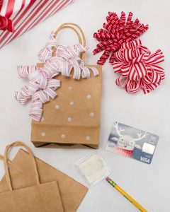 stamped gift bag holiday gift card wrapping ideas