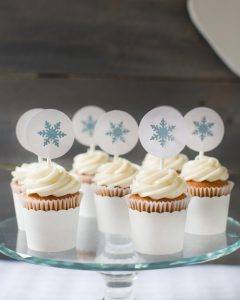snowflake cupcakes at a winter baby shower