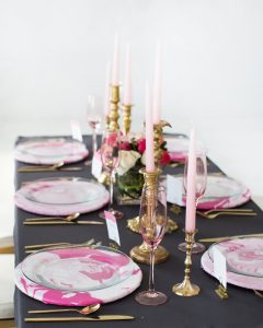 galentines day tablescape and DIY marbled plate chargers