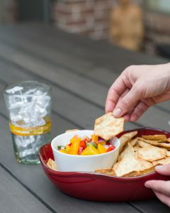 peach salsa dip with tortilla chips