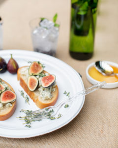 fig gorgonzola crostini recipe
