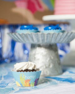 shark party cupcakes