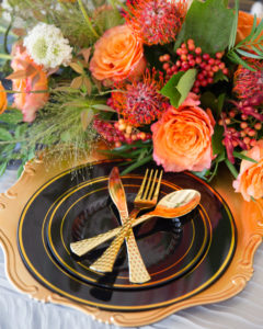 fall place setting using black and gold