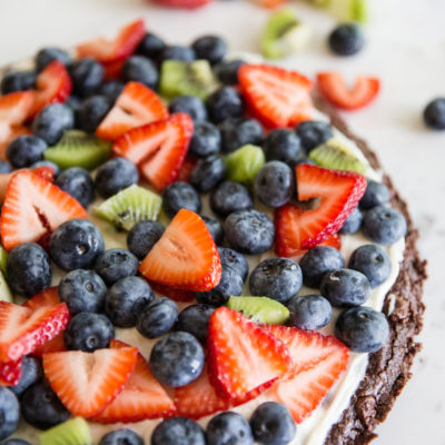 How to Make a Simple Brownie Fruit Pizza
